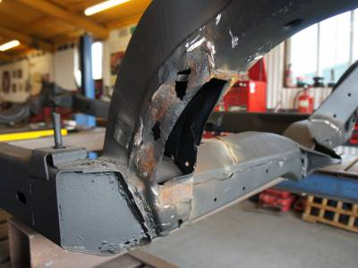 1978 Trailing arm pocket rust